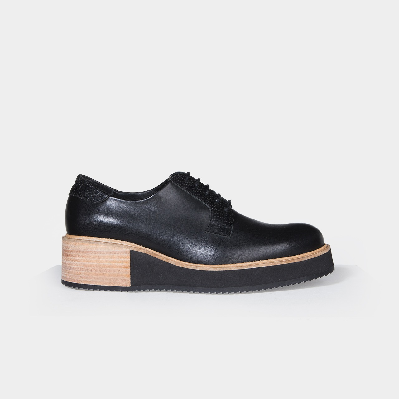 6674defa666 Chaussure Derbies compensées femme Alpha High Noir