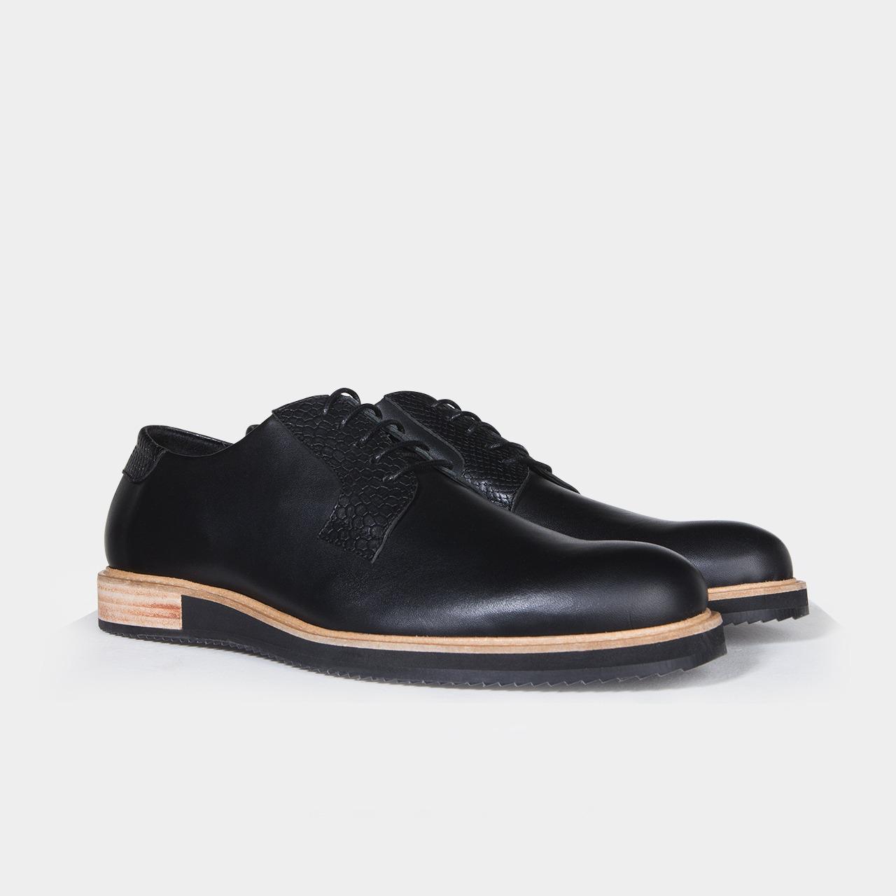 chaussure derbies noir alpha low subtle shoes. Black Bedroom Furniture Sets. Home Design Ideas