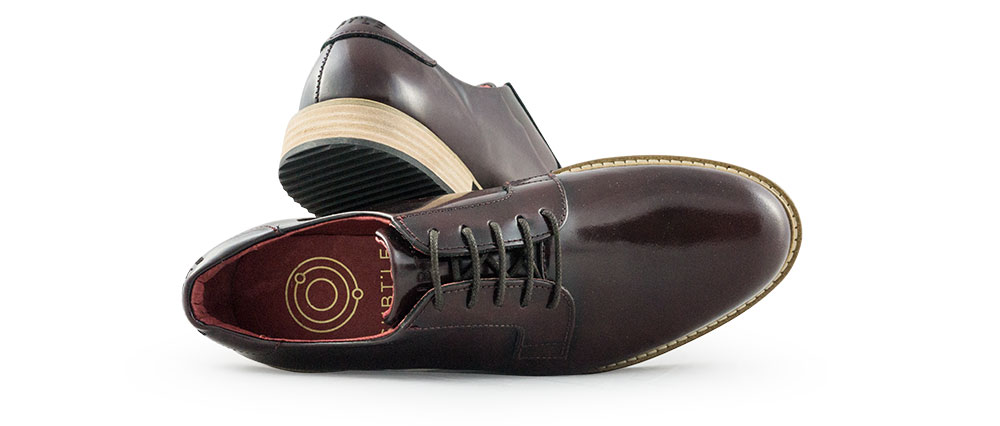 Derby-subtle-Alpha-bordeaux